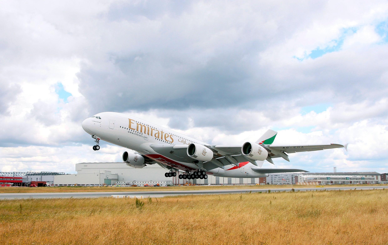 Самый большой самолет в мире будет летать из Москвы в Дубай с 1 октября, благодаря Emirates.