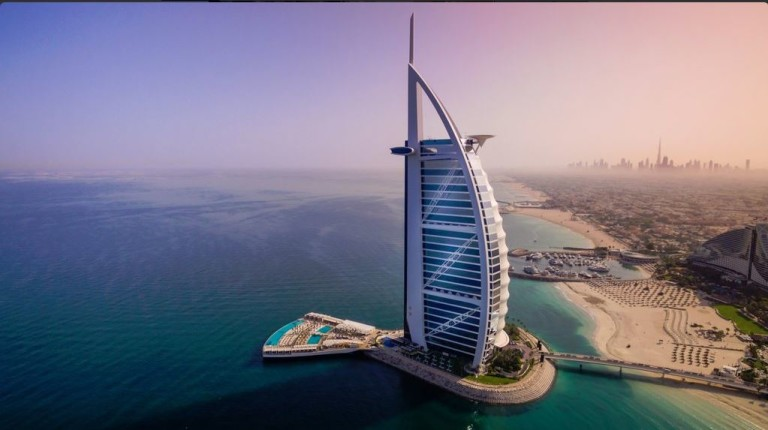Новый 5000-тонный пляжный курорт Burj Al Arab Terrace!
