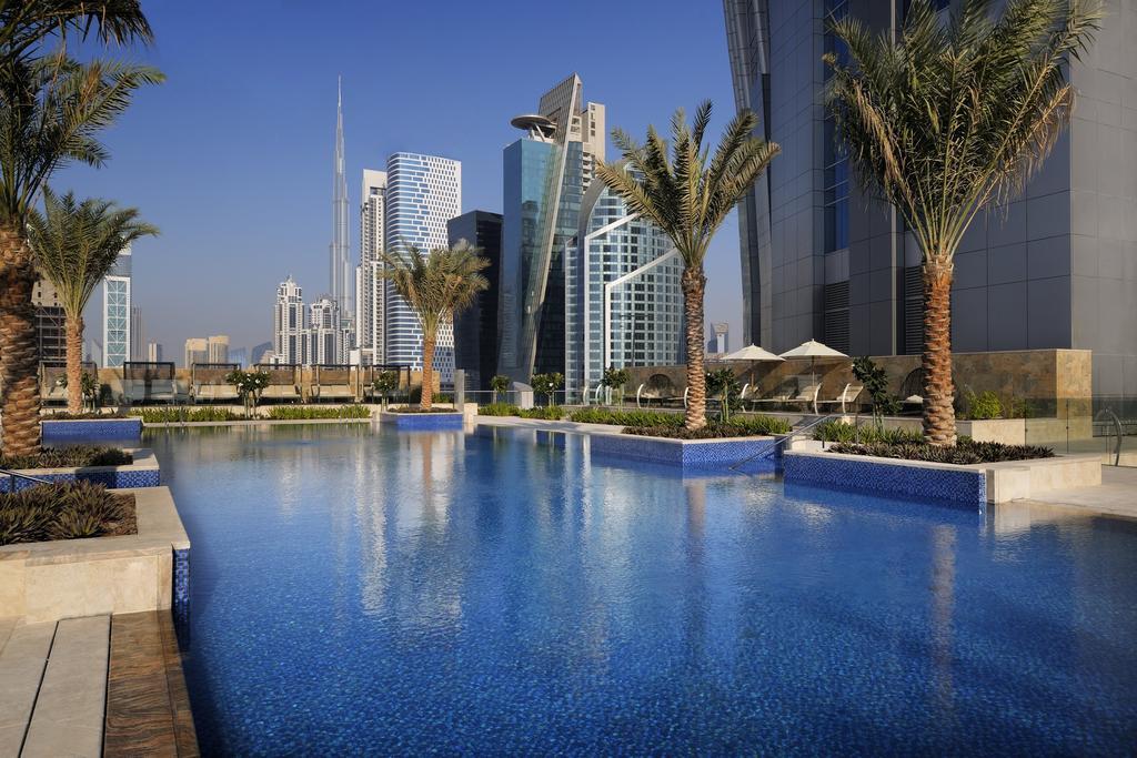 Летайте с Эмирейтс в Дубай и получите бесплатную ночь в отеле JW Marriott Marquis