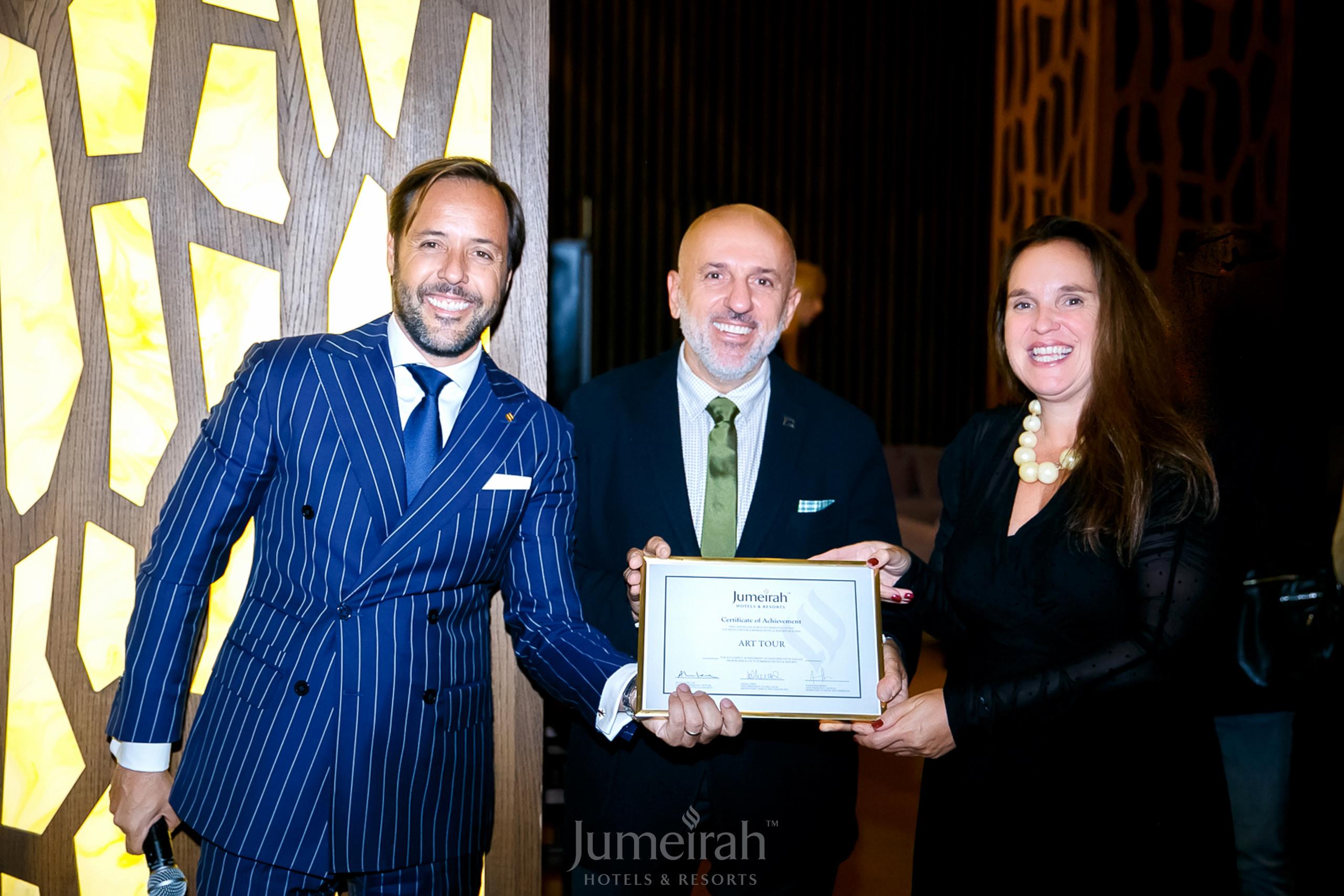 Jumeirah наградила «АРТ-ТУР» как топ-партнера в России на гала-ужине для агентов туроператора