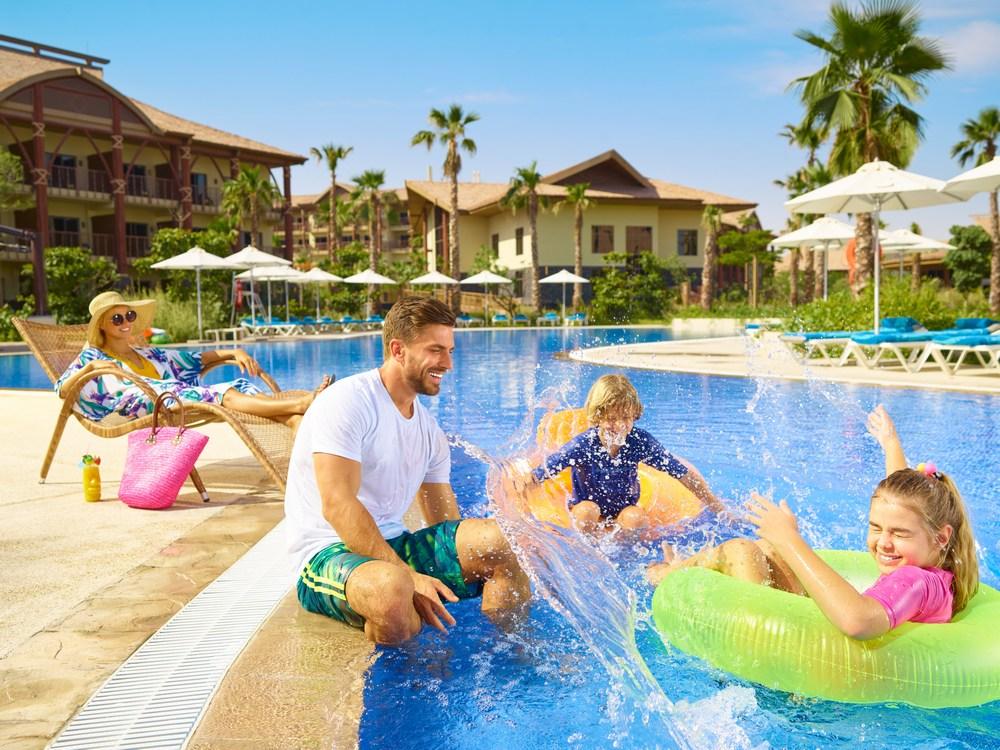Специальное летнее предложение!  В Дубай всей семьёй!