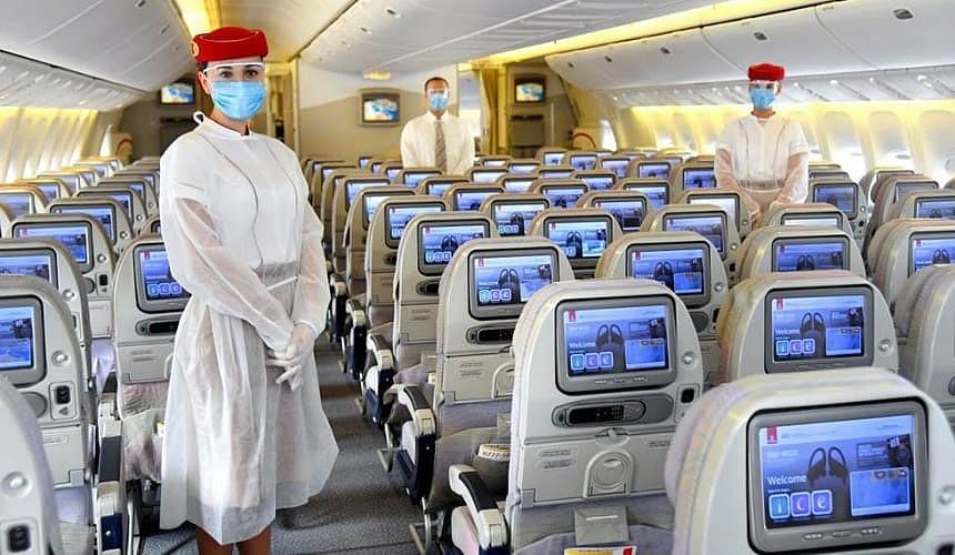 Emirates покроет расходы пассажиров, связанные с COVID-19