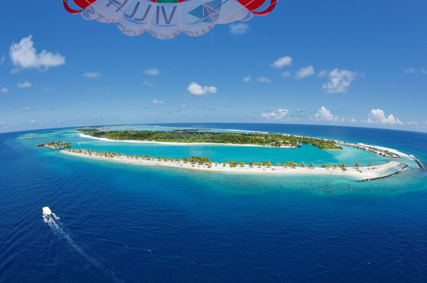 Paradise Island 4*