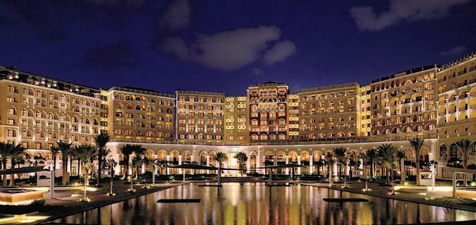 Отель Ritz-Carlton Abu Dhabi Grand Canal празднует свою первую годовщину престижными туристическими наградами