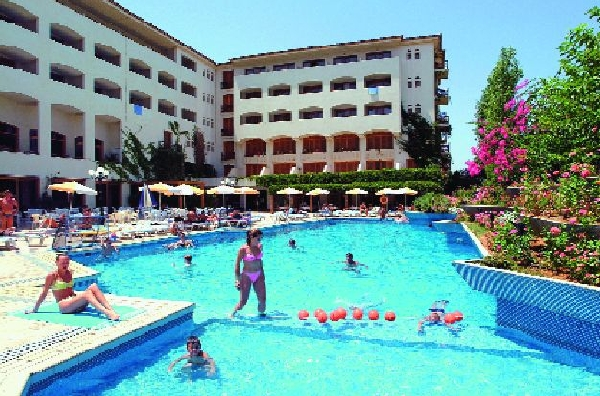 Theartemis Palace Hotel 4*