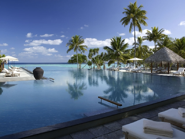 Four Seasons Resort Maldives at Landaa Giraavaru 5*Deluxe